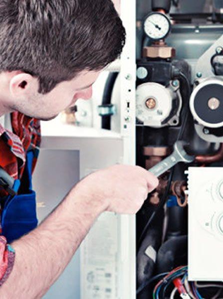 Assistenza Caldaie Savio Romanina -Affidati ai nostri tecnici specializzati per la manutenzione e controllo della tua caldaia a Fontana Di Trevi